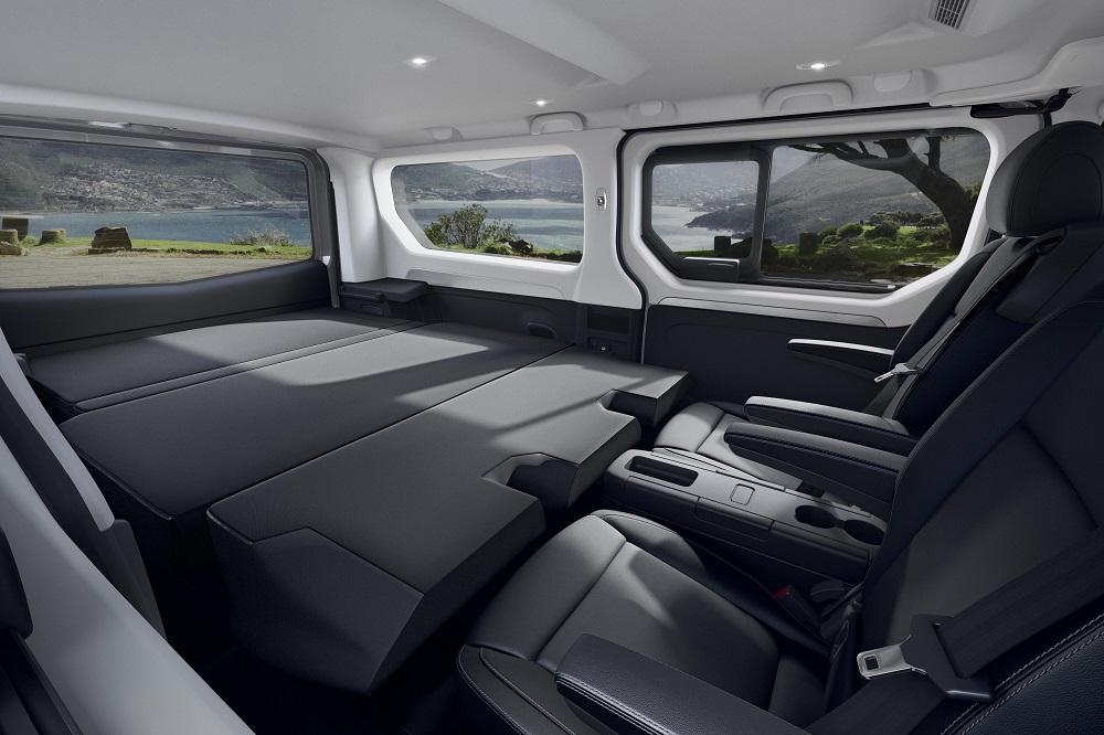 Renault deschide comenzile pentru noile modele Trafic Combi și SpaceClass
