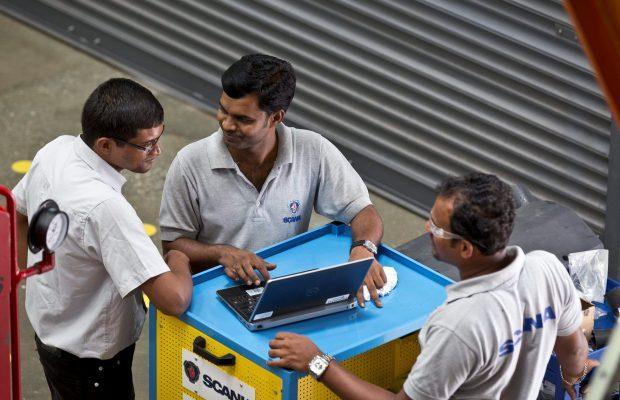 Scania recunoaște că angajații săi din India au obținut contracte prin mită