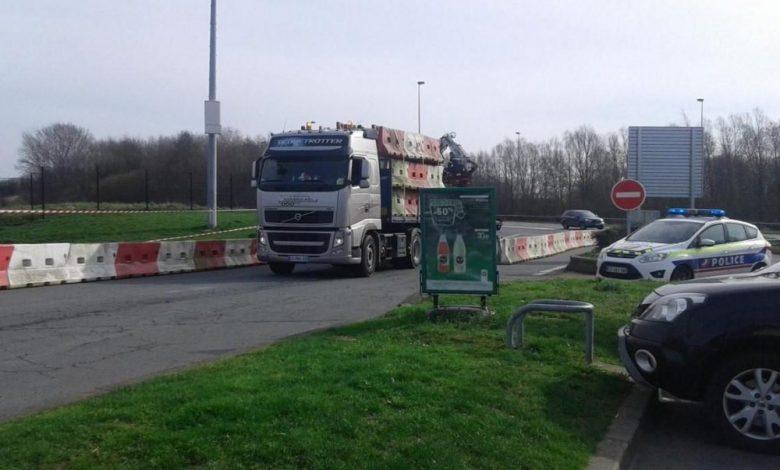 Franța închide două parcări de camioane din cauza imigranților
