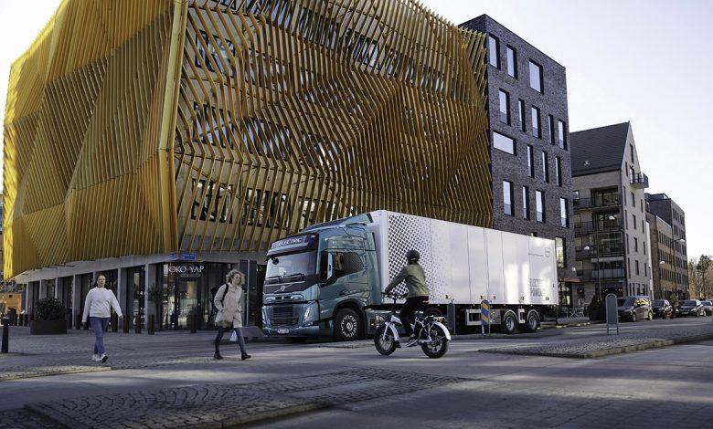 Vreți să faceți trecere către camioane electrice pentru transport urban?