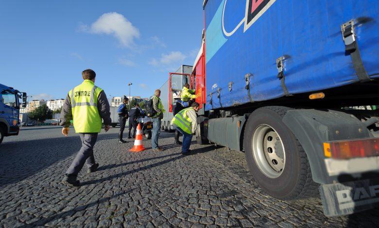Sindicatul inspectorilor francezi de transport rutier cer angajarea de personal