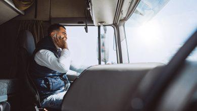 Patru moduri în care telefonul mobil ne distrage atenția la volan