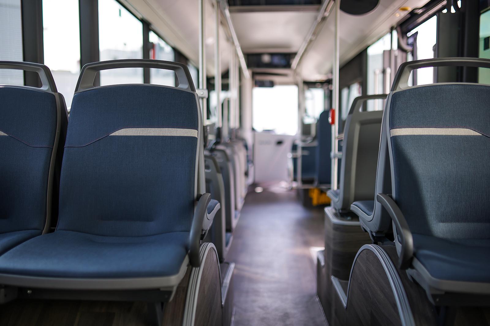 Prim contact cu autobuzul electric MAN Lion's City E, în București