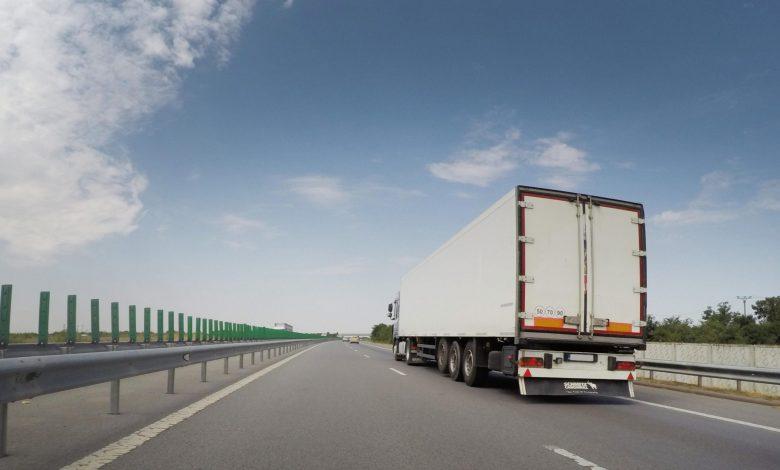 Scădere de aproximativ 2% pentru transportul local de mărfuri, în 2020