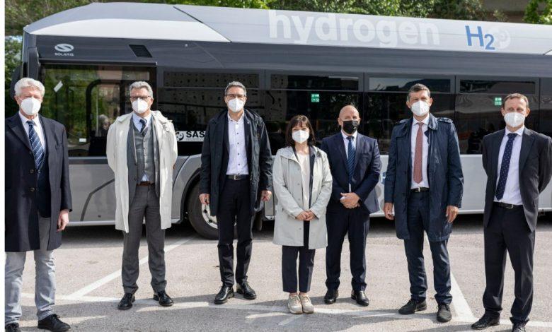 Primul autobuz Solaris alimentat cu hidrogen livrat la Bolzano