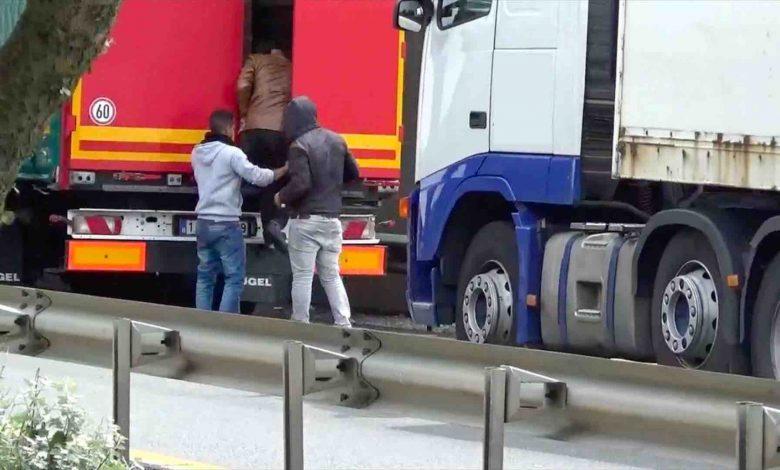 4000 de lire amendă pentru fiecare imigrant găsit într-un camion, în UK