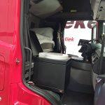 Toaletă de urgență în cabina camionului? Ai folosi așa ceva?