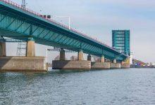 Din 26 iulie, pe podul Haringvliet (A29) din Olanda se va circula cu viteza de 50 km/h