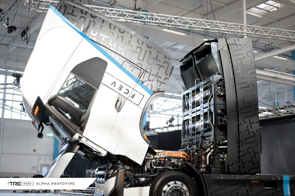 IVECO și Nikola au inaugurat fabrica de camioane electrice din Ulm