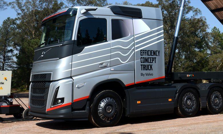 Volvo a prezentat o cabină mai lungă, echipată cu camere video