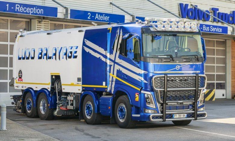 Cea mai puternică măturătoare stradală: Volvo FH16 750