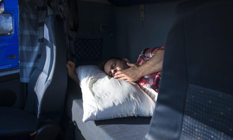 """Repausul săptămânal normal în cabină vă poate """"costa"""" 20.000 de coroane, în Suedia"""