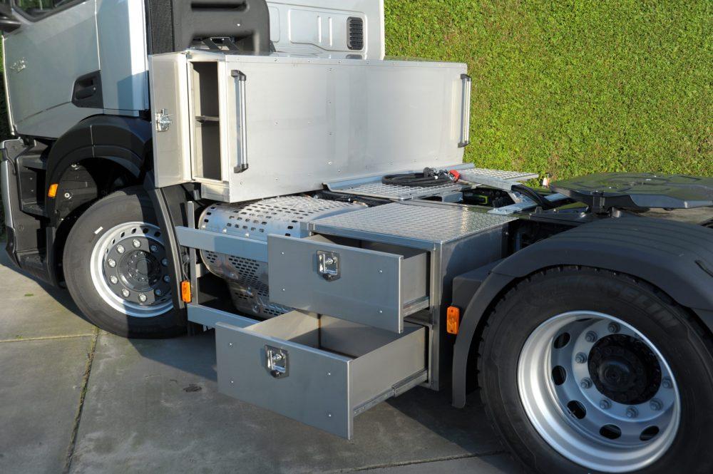 IVECO S-WAY Shorturn, cap tractor compact cu manevrabilitatea lui Daily