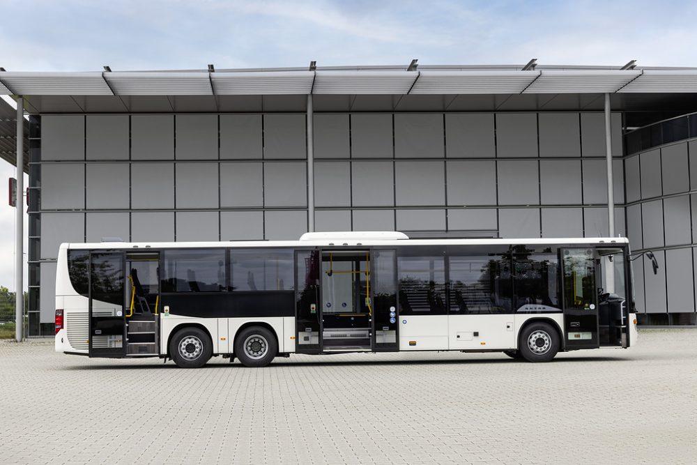 Setra lansează modelul S 418 LE business