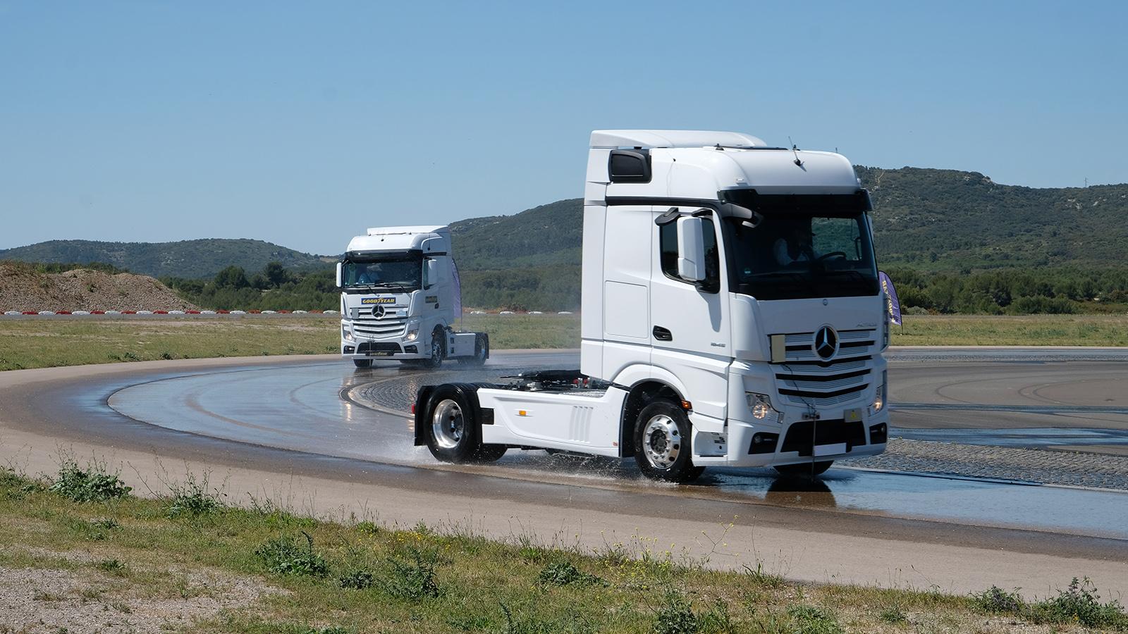 Totul despre testarea anvelopelor pentru camion făcută de Goodyear